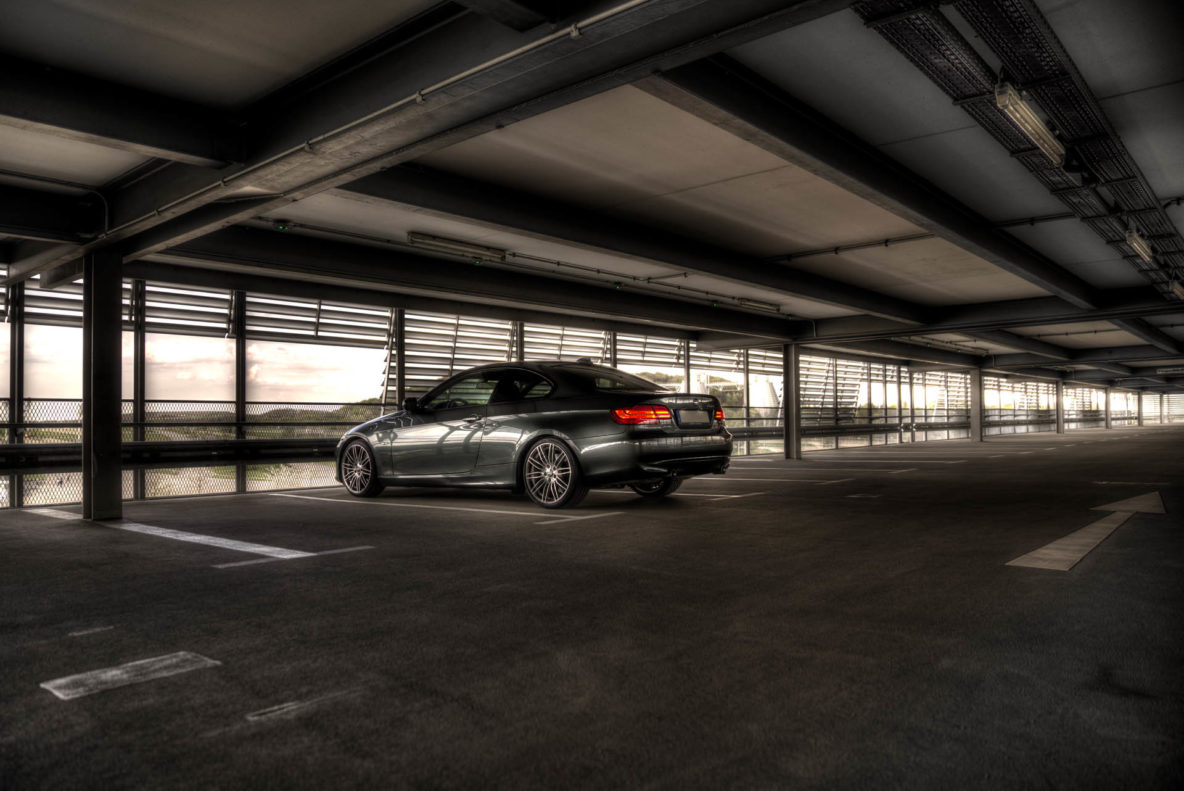 BMW 335i Parkhaus HDR
